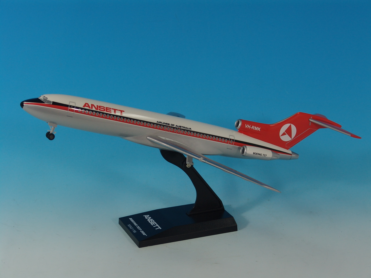 BOEING B727-200 (Delta Livery) 1:150 Scale