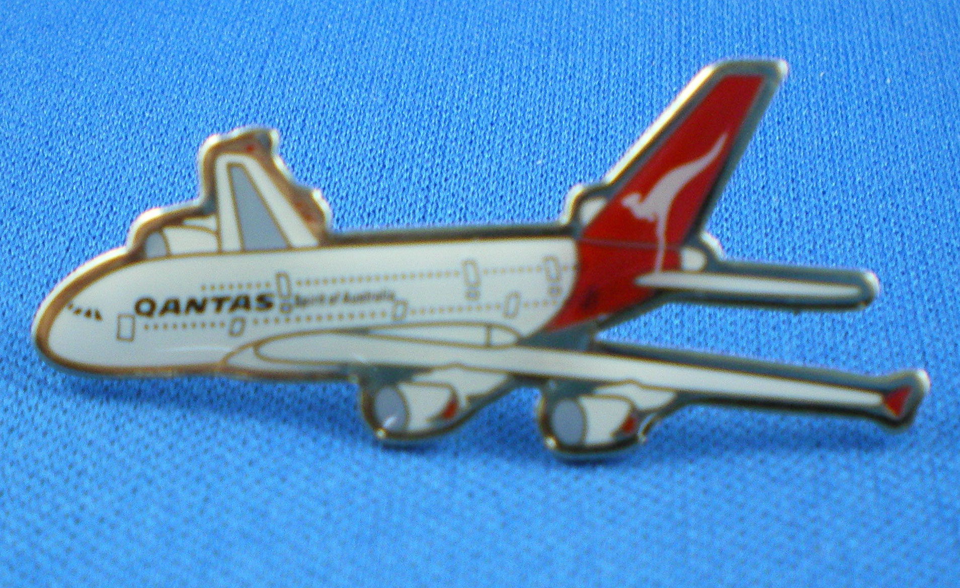 QANTAS - A380 LAPEL BADGE