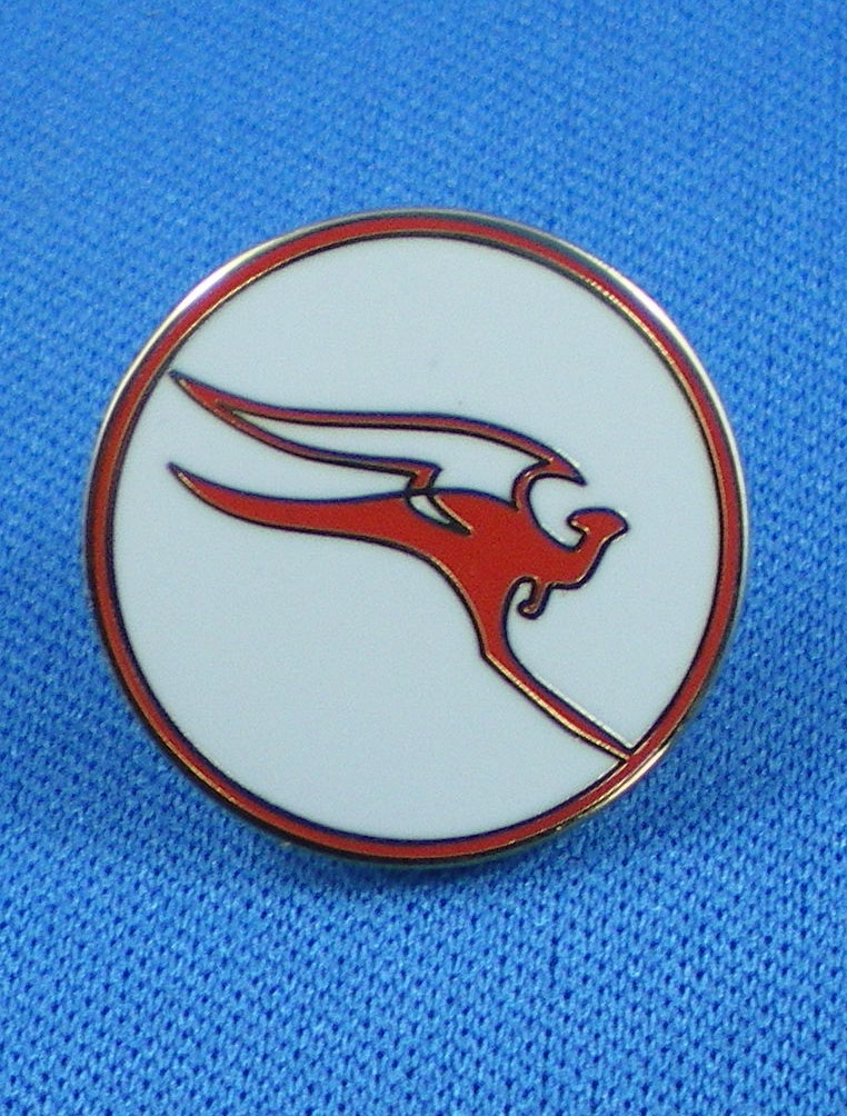 "QANTAS - ""OLD LOGO"" LAPEL BADGE"